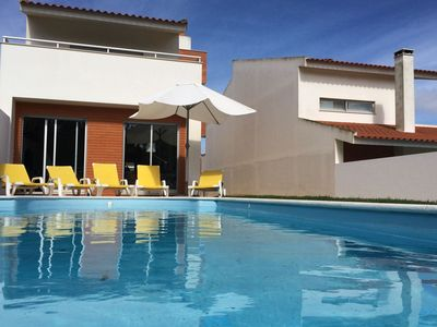 Photo for Modern, detached holiday home just 800 metres from the Costa de Prata