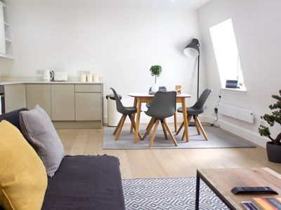 Photo for Cosy Islington Two Bedroom Apartment