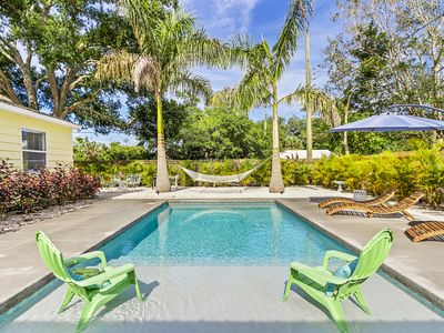 PRIVATE POOL OASIS WITH POOL HOUSE..........YOGA RETREAT!!
