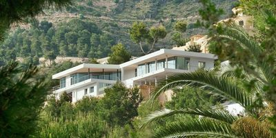 Photo for Altea la Vella Holiday Home, Sleeps 8 with Pool, Air Con and WiFi