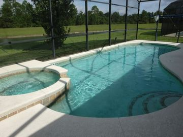 Luxury Disney Villa. 6 BRs, 5.5 Bath, WiFi,Private Pool, Water/Conservation View