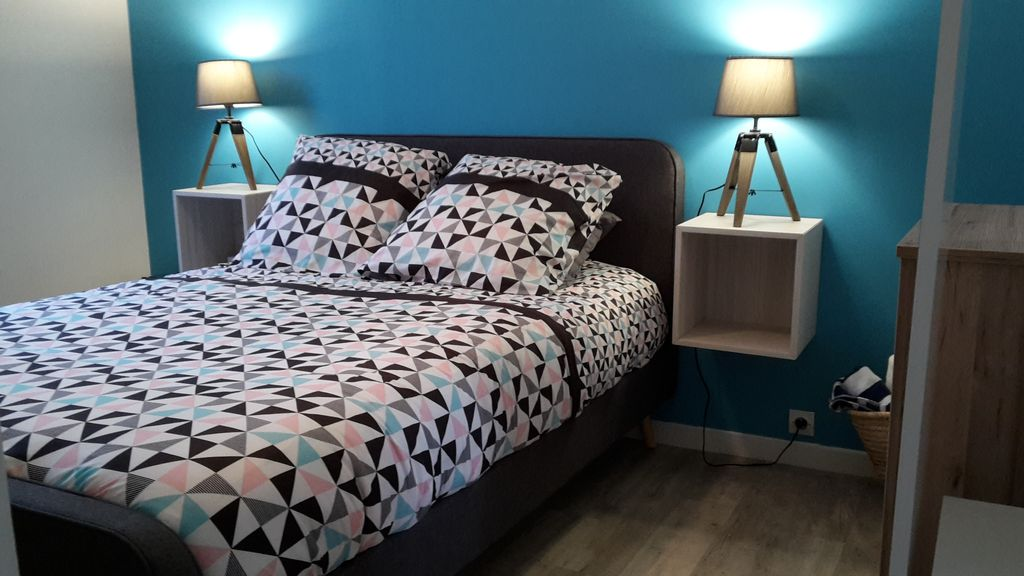 1 room 8 min paris rer c airport orly homeaway. Black Bedroom Furniture Sets. Home Design Ideas