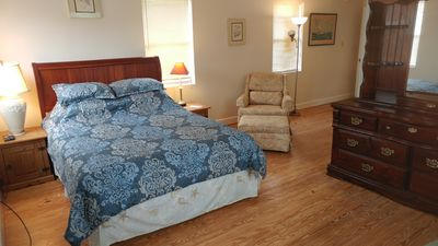 Master bedroom is located on upper level _ Queen size bed, cable TV