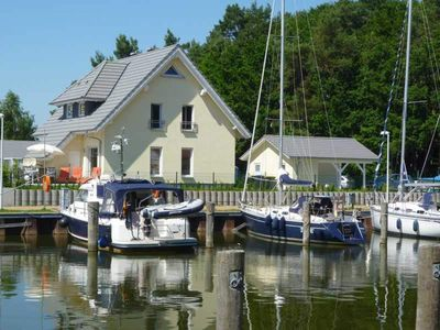 Photo for Captain's residence, right on the water - Captains idyll - House on the waterfront - Dream location - Wi-Fi