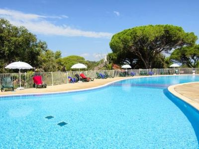 Photo for Beautiful apartment for 6 guests with WIFI, pool, TV, balcony and parking