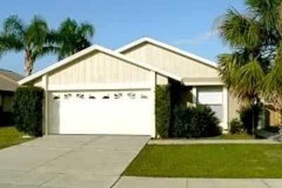 Home 5 min from Disney,Perfect for Families & Pets! Fenced Yard, Pool! Free Wifi
