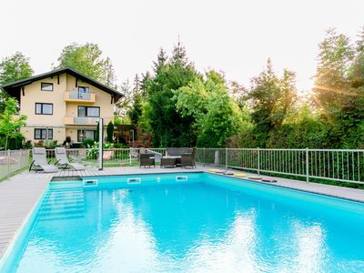 Photo for Haus am Wald * Apartment with pool * Lawn * Child-friendly * Beach *