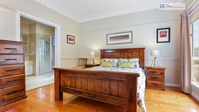 Photo for 2 Bedroom Beachside Charm – Perfect For Couples