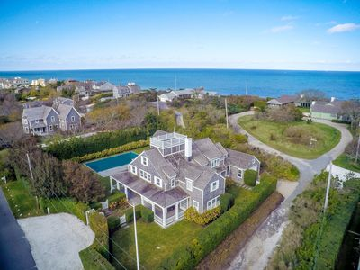 Photo for Beautiful Cliff home off Lincoln Circle prestigiously located by Steps Beach!