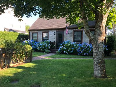 Cape Cod Charm in Naushop w/ pool, tennis courts, outdoor shower and nice yard