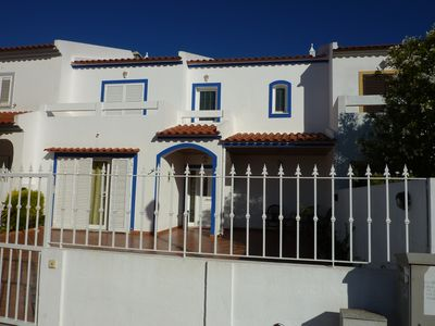 Photo for Fantastic house with pool, 500m from the beach, 10-12p