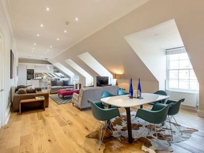 Photo for Heart of the City Centre Luxury 3 Bed/2Bath Apartment