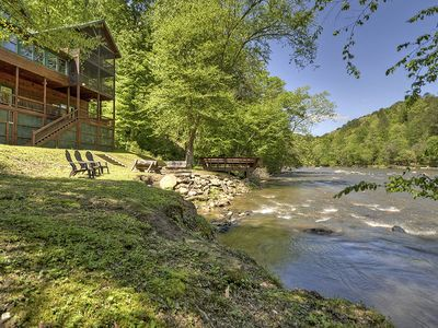 Spectacular Riverfront Cabin with Fishing Dock, Hot Tub, Pool Table and Fire Pit