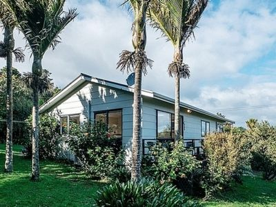 Photo for Palm Cottage - Onetangi Holiday Home