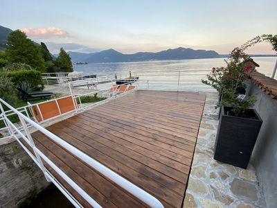 Photo for Charming apartment in villa on the lake