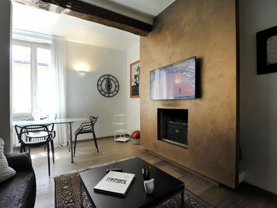 Photo for Spacious Santo Stefano IV apartment in Bologna with WiFi & integrated air conditioning.