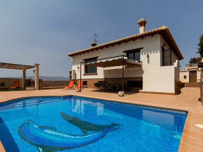Photo for Stunning house with views, pool and terrace