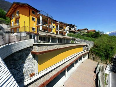 Photo for 3-room apartment with shared pool, large balcony and fantastic view of the lake.