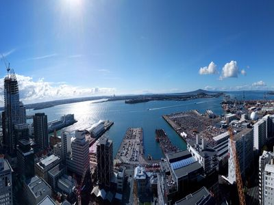 Photo for 270 Degree Spectacular Harbour View from Sky High