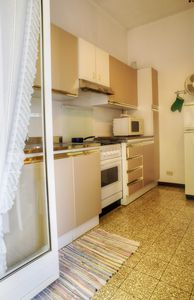 Photo for Large four-room apartment in central position, air conditioning 4 + 2 beds