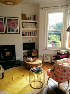 Photo for Spacious & Light Apartment - Clapton/Chatsworth Rd