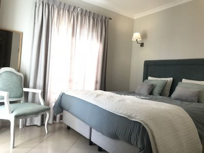 Private conduminium apartment with one king size bed 8 minutes walk to the  beach - Alvor