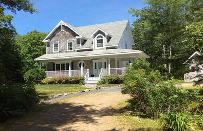 Photo for Seacrest Cape Style Cottage in Round Pond