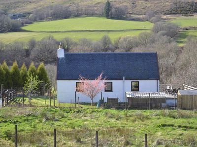 Photo for Traditional highland cottage in lovely rural setting