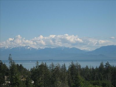 Vista view - Strait of Juan de Fuca & Olympic Mountains from the hot tub