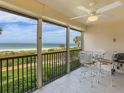 Photo for Beachfront, W/D, Free Wi-Fi, Cable & Phone, Pool, Hot Tub, Tennis - 206 Reflections