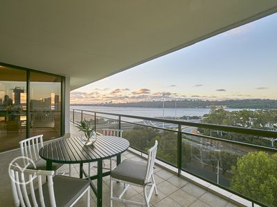 Photo for Superb penthouse with spectacular views