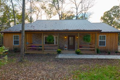 Pleasant Newly Built Rustic 3 Bedroom Cabin With A One Acre Fishing Lake Winchester Download Free Architecture Designs Scobabritishbridgeorg
