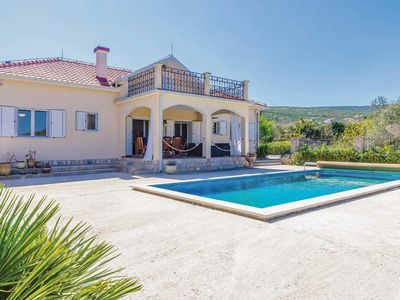 Photo for 3 bed villa, close to local amenities.