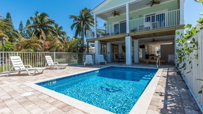 Photo for Direct View Ocean Front. 4/bed 3/bath sleeps 10. H/C personal pool, Free Dock!