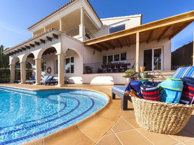 Photo for Luxury Family-Friendly Villa with Heated Pool, Panoramic Sea Views and Garden