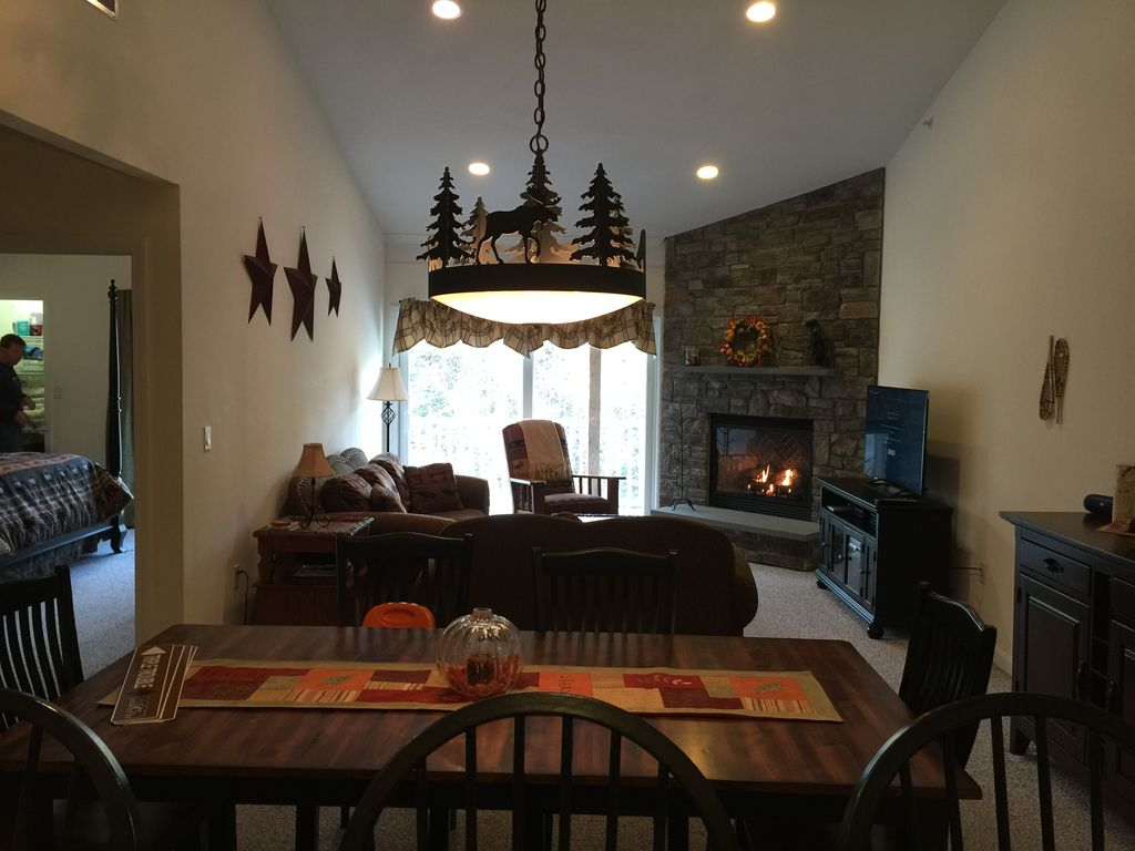 Desirable Forest Ridge Woodland Loop Unit Vrbo