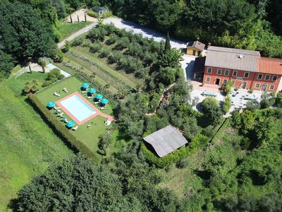Photo for 8 bedroom Tuscany villa with pool