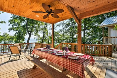 Look out upon beautiful Cherokee Lake at this vacation rental cabin in Rutledge!
