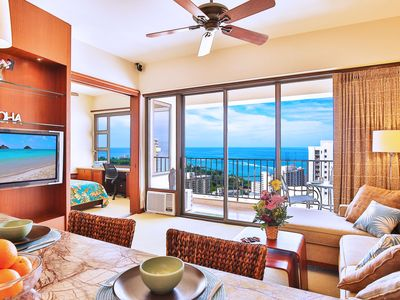 Ocean Views | 38th Floor Penthouse in Waikiki | WiFi & Parking Included