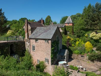 Photo for MILL COTTAGE, pet friendly in Hanley William, Ref 932218