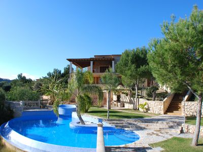 Photo for Villa mwith pool und wonderfull views. Interent