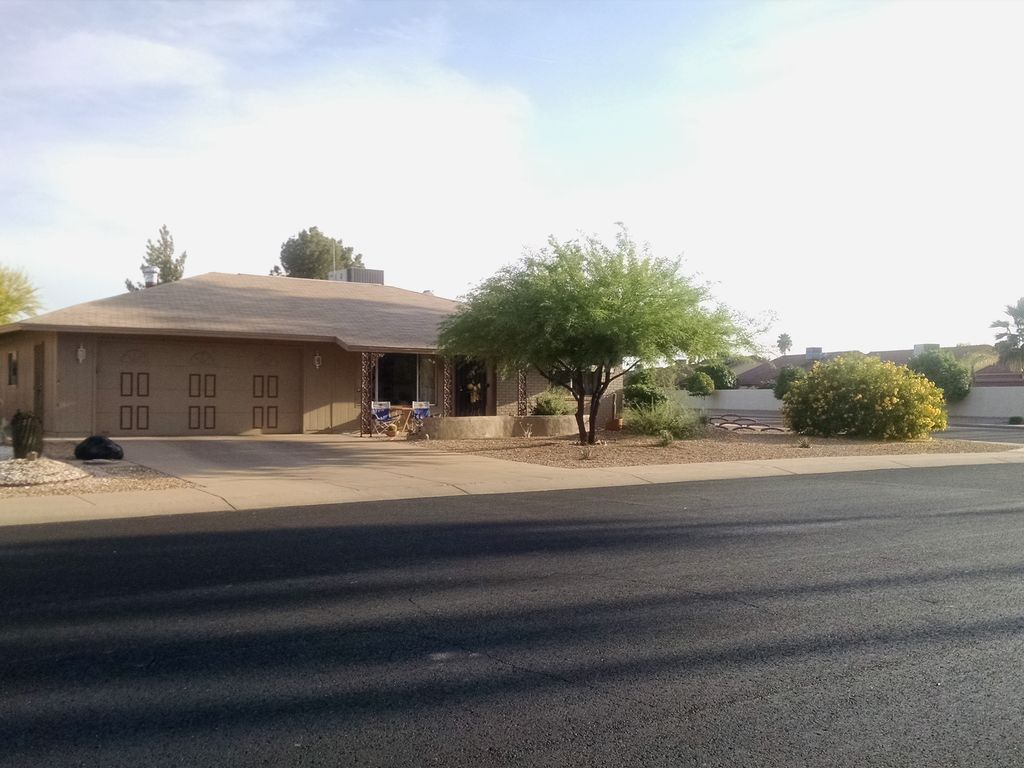 75 Valley Of The Sun House 2 Br Vacation House For Rent In Sun City West
