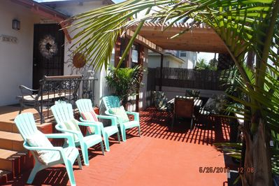 Huge Patio~Table Seating for (6)~Lounge~BBQ~FREE BIKES~Beach Chairs~Boogie Board