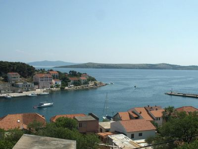 Photo for One bedroom apartment with terrace and sea view Sali, Dugi otok (A-890-d)
