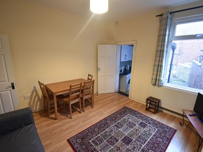 Photo for 4 Bed Whole House City Centre (44BS)