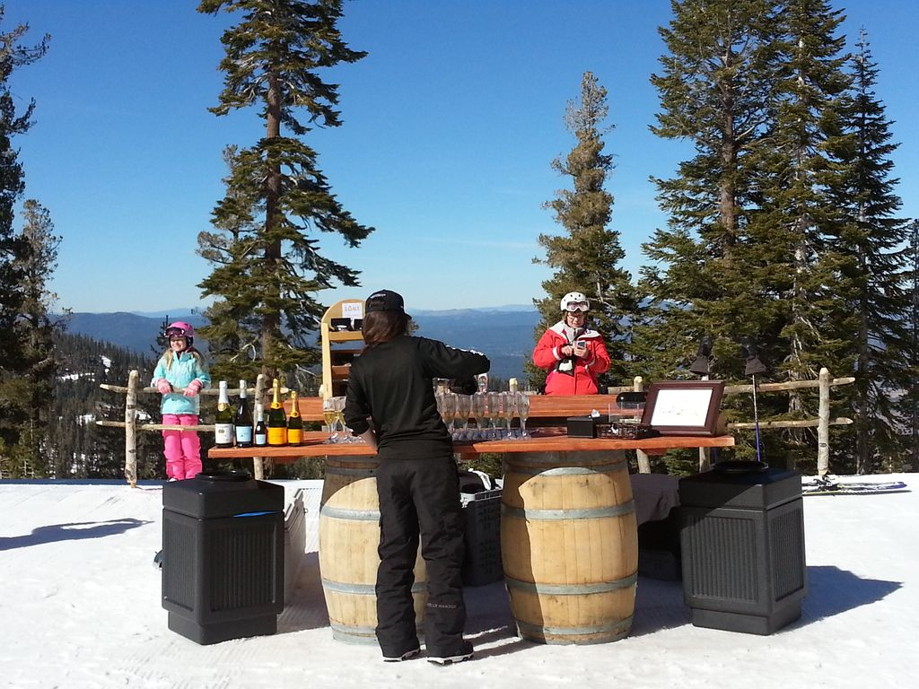 Spacious cozy cabin near northstar town and casinos for South lake tahoe cabins near casinos