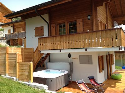 Photo for Wellness Chalet with Sauna and Jacuzzi
