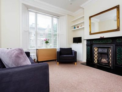Photo for Close to Notting Hill & Hyde Park - minimalist and sophisticated home (Veeve)