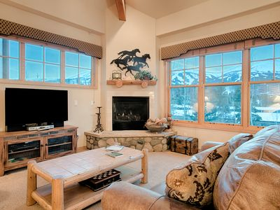 Photo for Awesome Breckenridge location, Outdoor hot tubs, Amazing views, King bed, Fantas