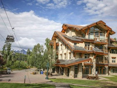 Photo for True 3 Bedroom, 4 Bath Ski-in/out Contemporary Penthouse, With 2 Garage Spaces